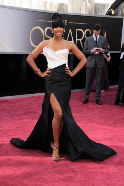HOLLYWOOD, CA - FEBRUARY 24:  Singer Kelly Rowland arrives at the Oscars at Hollywood & Highland Center on February 24, 2013 in Hollywood, California.  (Photo by Steve Granitz/WireImage)