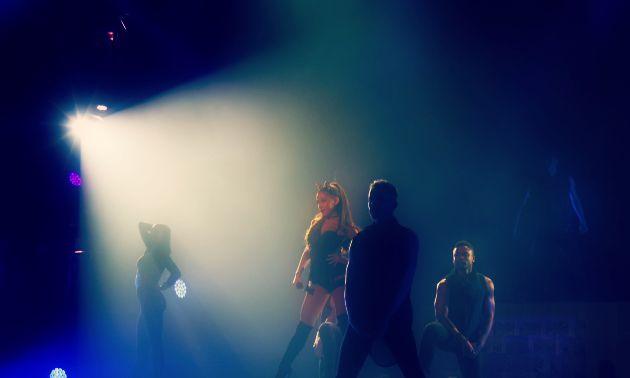 Ariana3